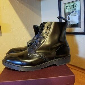 Men's Dr Martens boots size 14
